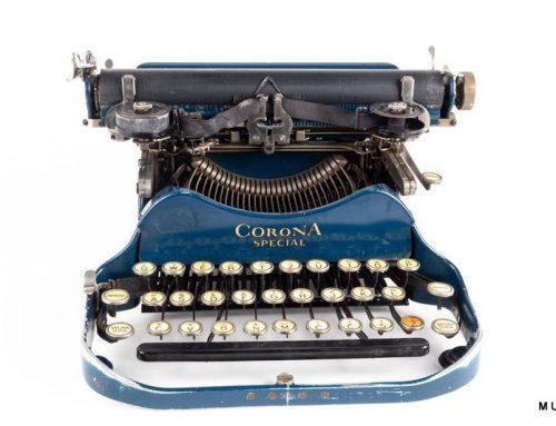 Zložljiv prenosni pisalni stroj Corona