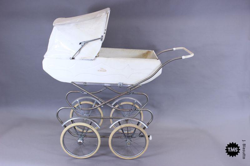 Otroški voziček Tribuna