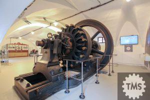 Enosmerni generator iz Mestne elektrarne Ljubljana