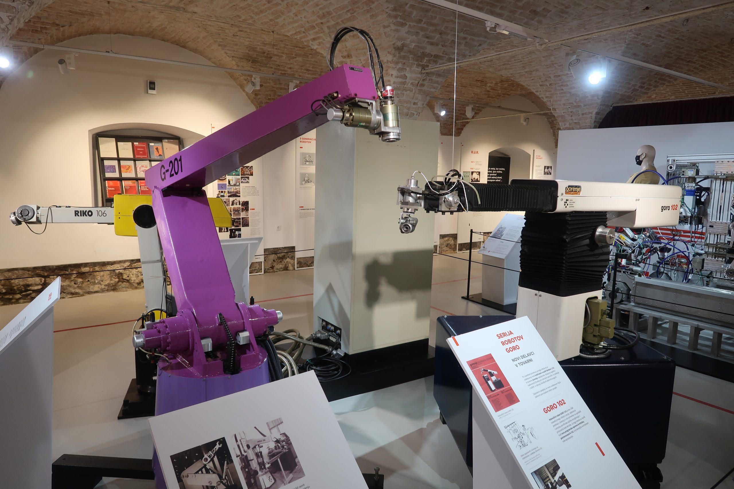 4 Za popoldne nekaj o najstarejsih slovenskih robotih