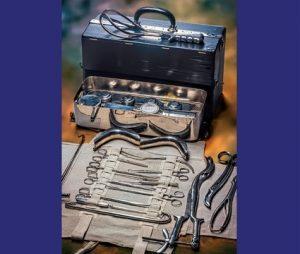 Katalog razstave Medicinski instrumenti in pripomočki; avtorice besedil: Milojka Čepon, dr. Barbara Juršič, prof dr. Zvonka Zupančič Slavec; izdal: Tehniški muzej Slovenije, 2021. Strani: 76.